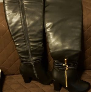 Womens size 6 black thigh high boots